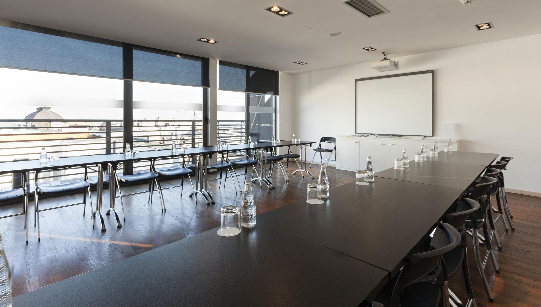 PROMEDIATEC plant und realisiert professionelle Medientechnik und Mediensteuerung